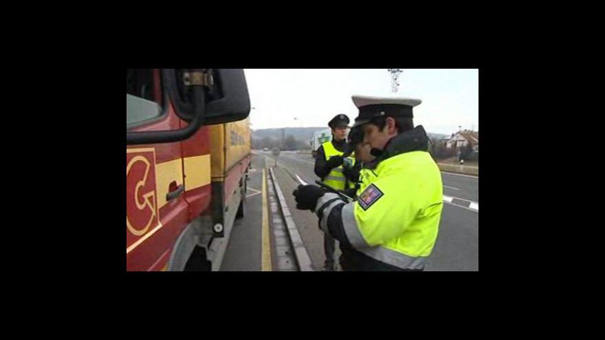 Video NO COMMENT: Policejní kontrola