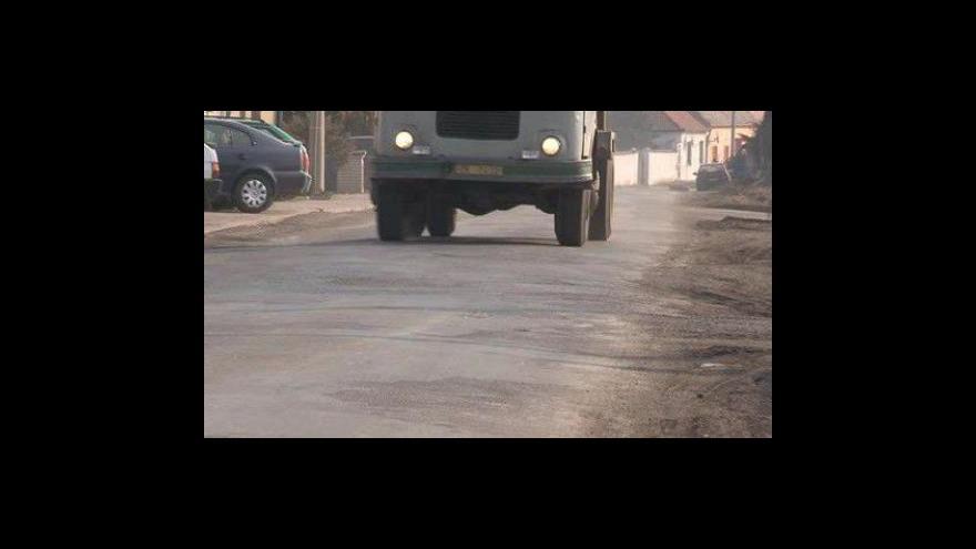 Video NO COMMENT: Mezisklad dřeva v Šatově