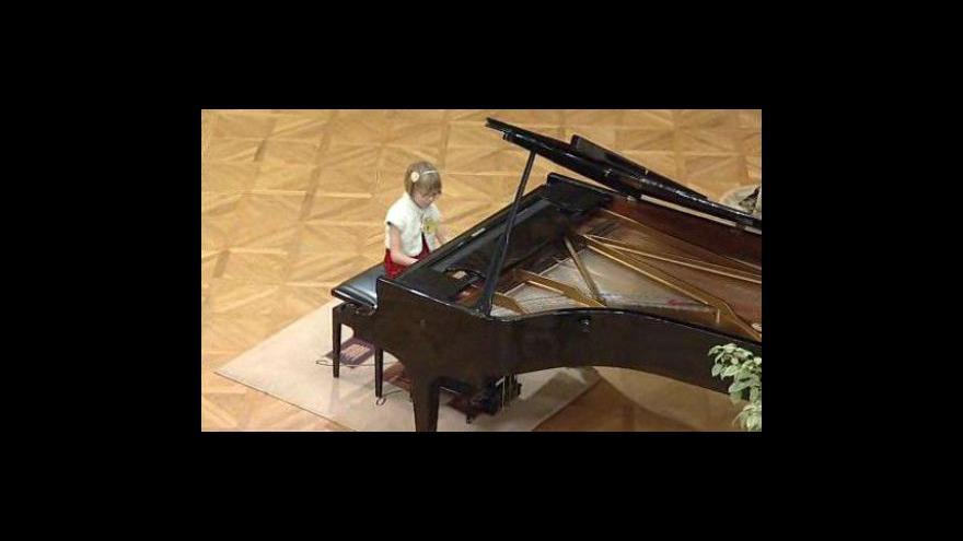 Video V Brně dnes začal 18. ročník klavírní soutěže Amadeus