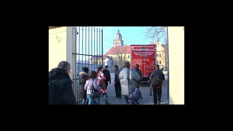 Video Vstup Štěpánky Martanové od Veletržního paláce
