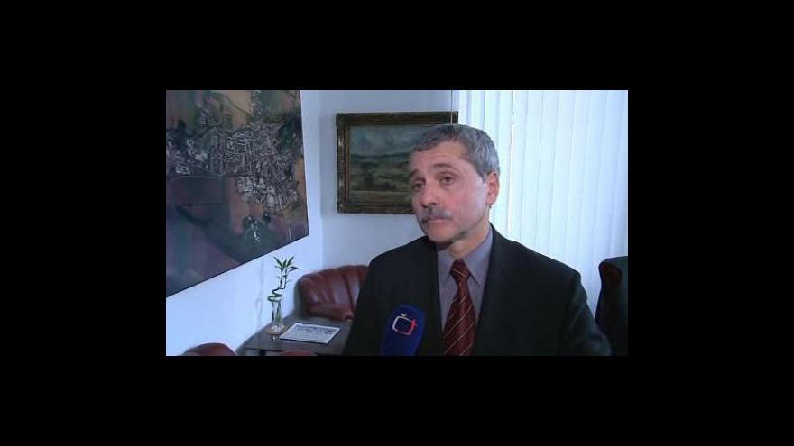 Video Holešovští se potýkají s neplatiči