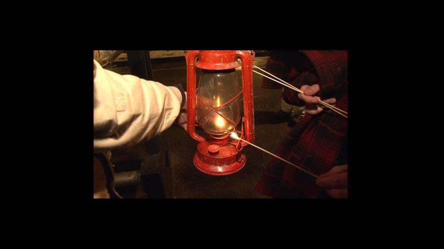 Video NO COMMENT: Skauti přivezli Betlémské světlo