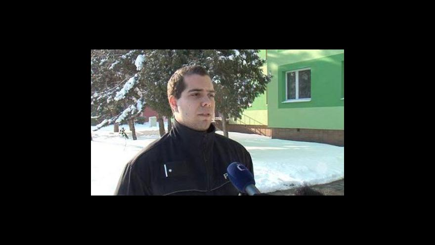 Video Jakub Piňos, policista, který zachránil ženu i dítě
