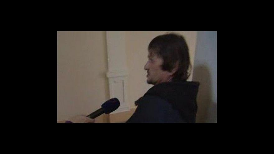 Video Ladislav Kupčík k odškodnění dívky, s níž počal v jejích třinácti dítě