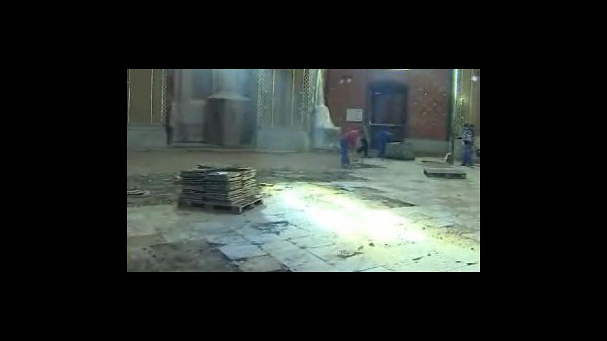 Video Josef Matela, stavební dozor rekonstrukce baziliky, o nálezu šachovnicové dlažby