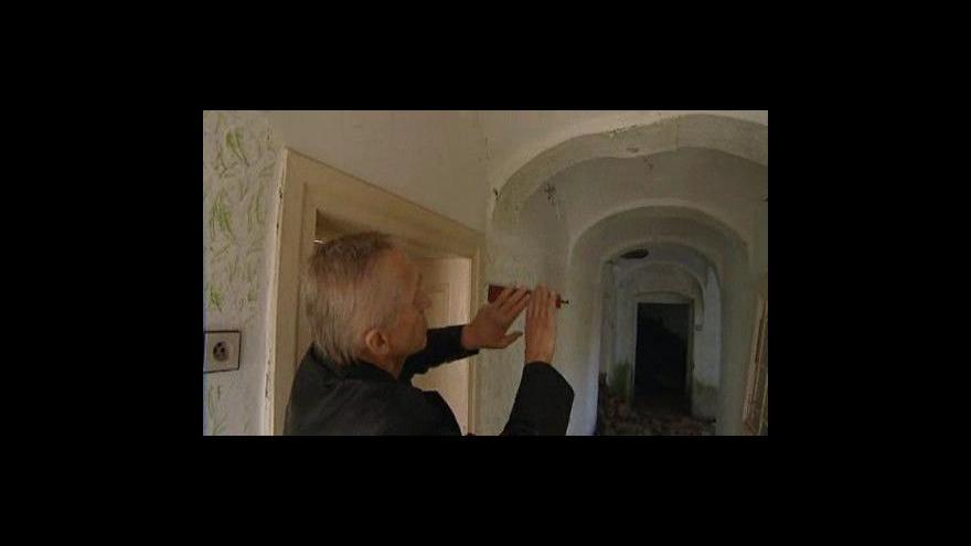 Video Památkově chráněný dům na Znojemsku se hroutí