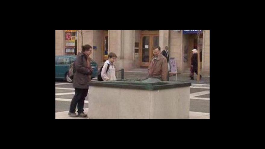 Video Poškozená plastika Brna na Moravském náměstí
