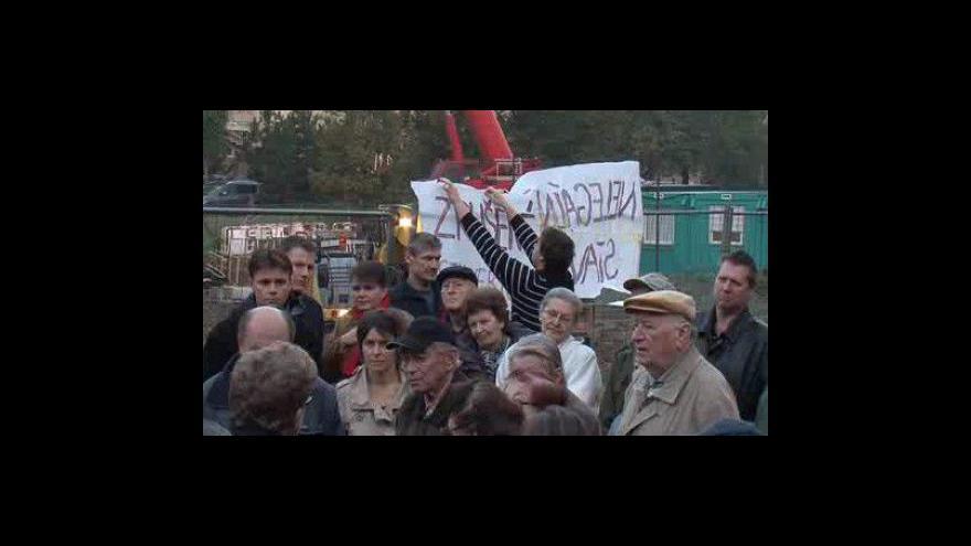 Video Obyvatelé protestují proti stavbě rezidence Erasmus