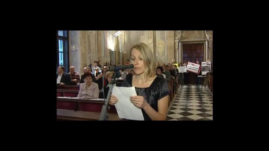 Video Šárka Svobodová, zástupkyně iniciativy Nesouhlasím se vznikem podzemních garáží na Zelném trhu