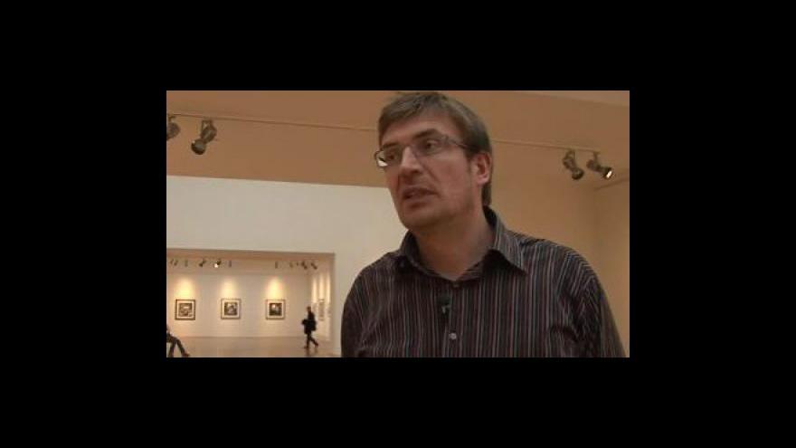 Video Ředitel Domu umění a kurátor výstavy o díle Joela - Petera Witkina