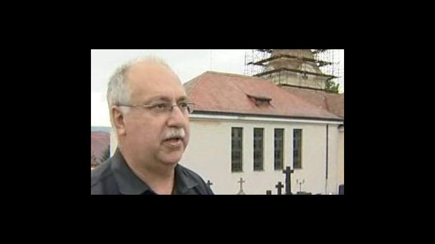 Video Člen farnosti Slavomír Černý o opravě věže kostela nejsvětější trojice ve Zdounkách