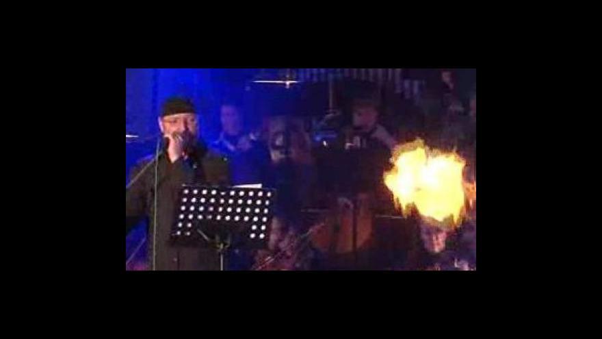 Video Poslechněte si skladbu Money od Pink Floyd v podání brněnské Filharmonie a Jiřího Zonygy