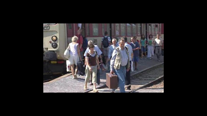 Video Do Luhačovic ode dneška nejezdí vlaky