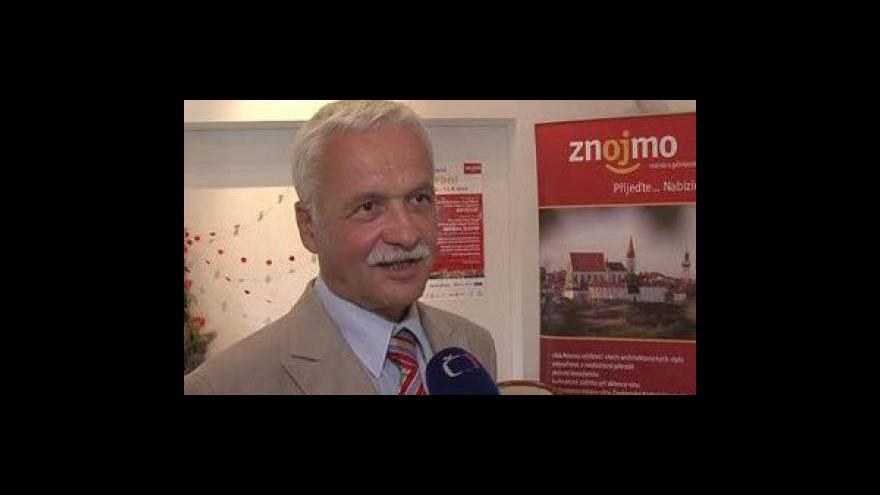Video Ředitel Znojemské Besedy Oto Mašek o rozdělení mikulovského a znojemského vinobraní