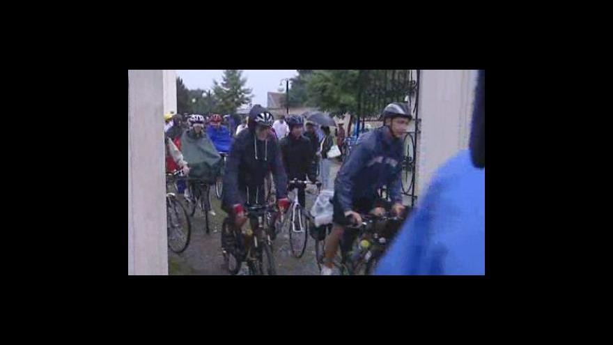 Video Věřící z Uherského Brodu se vydali na pouť na kolech