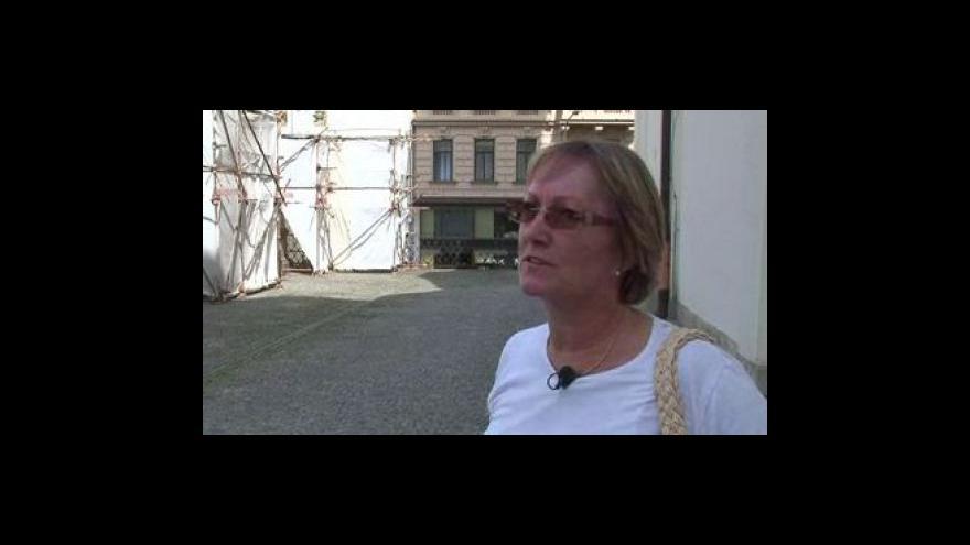 Video Restaurování soch na Dominikánském náměstí