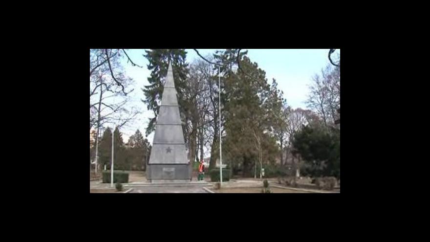 Video Pavel Paleček, historik, o vyjádření NPÚ k památníku