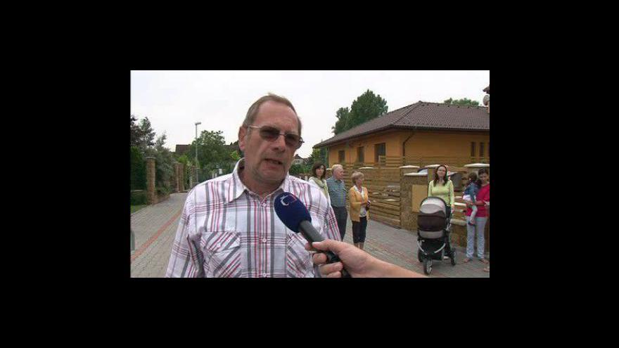 Video Nespokojení obyvatelé Holásek