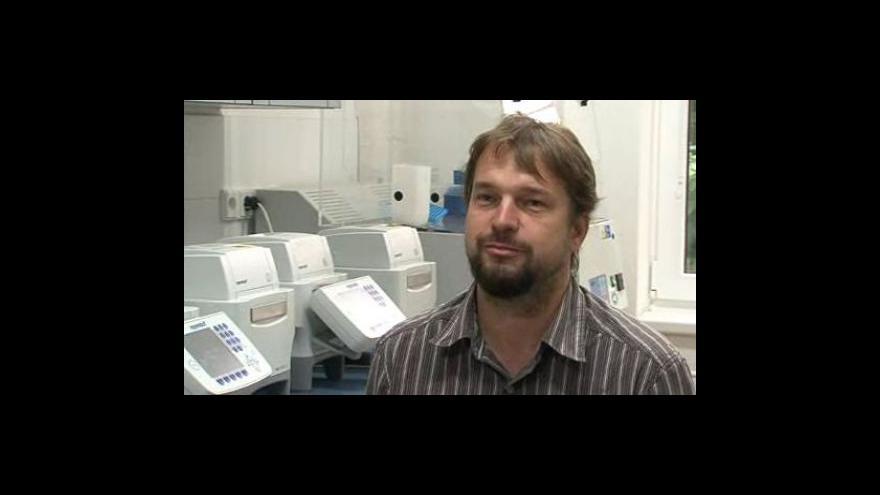 Video Josef Bryja hovoří o práci Oddělení populační biologie AV ČR