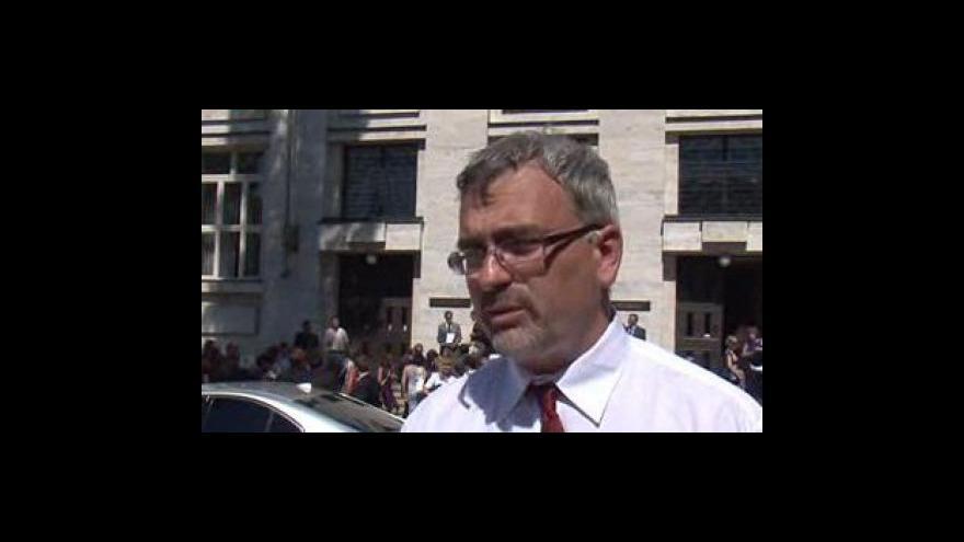 Video Proděkan Právnické fakulty MU Petr Mrkývka o rozhodnutí etické komise
