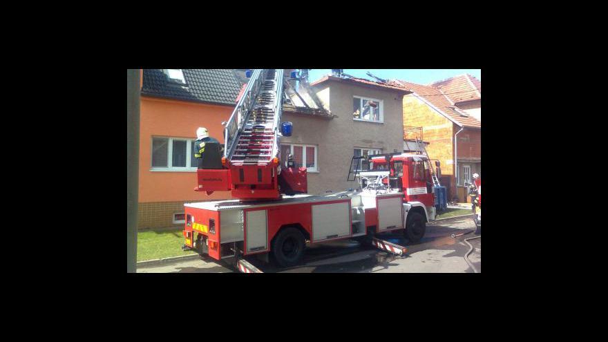 Video Rodina z Ratíškovic se stěhuje zpět do opraveného domu