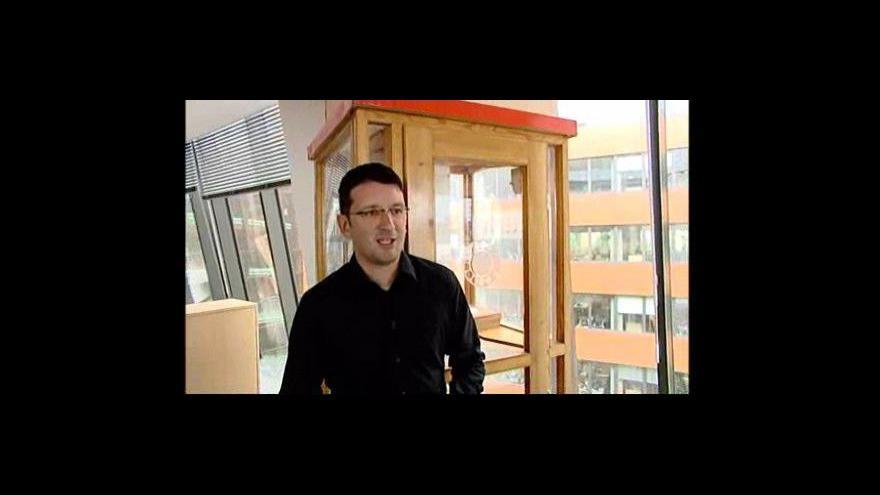 """Video Martin Žabka, mluvčí společnosti Telefónica O2, o telefonních \""""budkách\"""""""