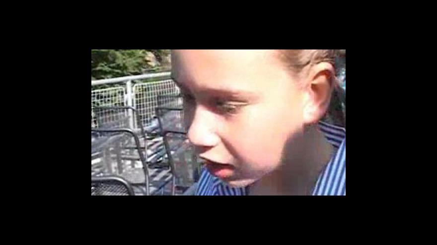Video Děti dostaly vysvědčení na parníku