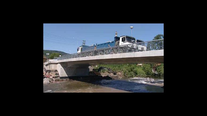 Video Most v Předklášteří prošel zatěžkávací zkouškou