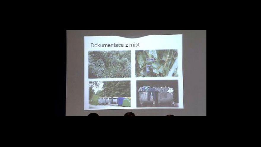 Video Brífink policie k sérii znásilnění