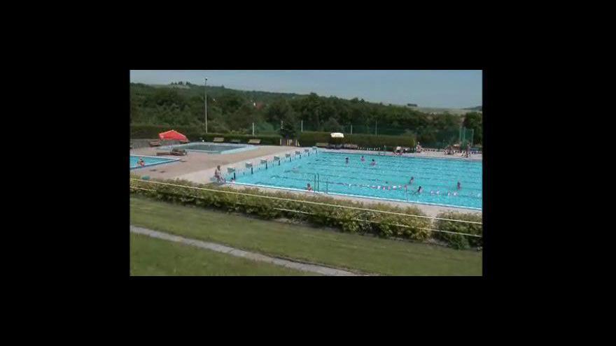 Video Radoslav Lánský, ředitel Technických služeb města Slavkova u Brna, o začínající sezoně na koupališti