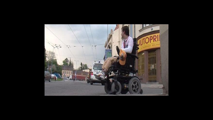 Video Matka vozíčkáře o nehodě, od které ujela řidička