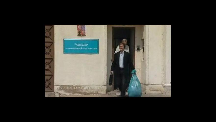 Video Rozhovor s Alešem Kvapilem po propuštění z vazby