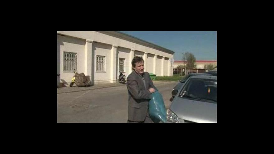 Video Radovan Novotný bezprostředně po opuštění vazby
