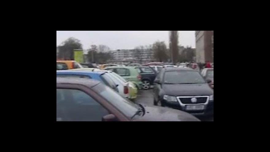 Video Brno zpoplatní parkoviště na ulici Veveří