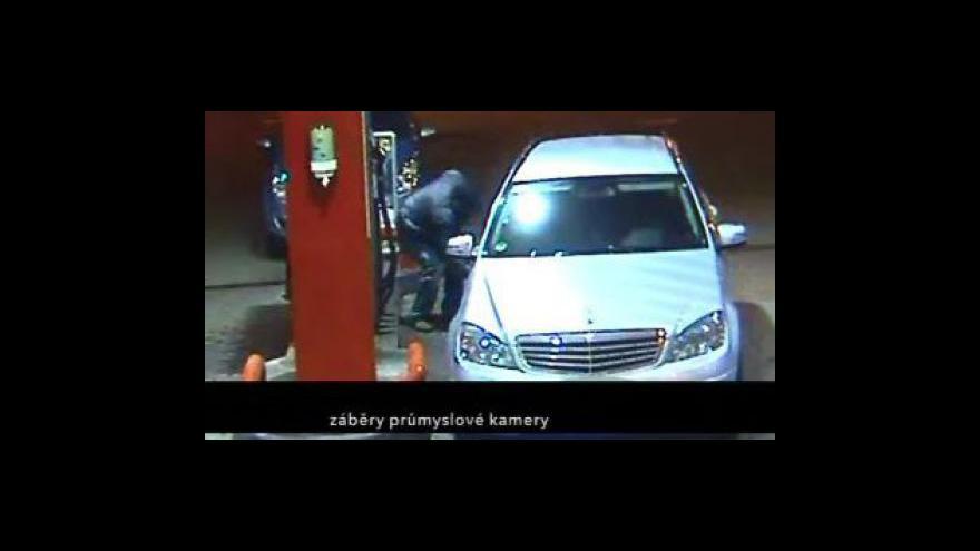 Video Na dálnicích řádí gang, který propichuje pneumatiky a okrádá řidiče