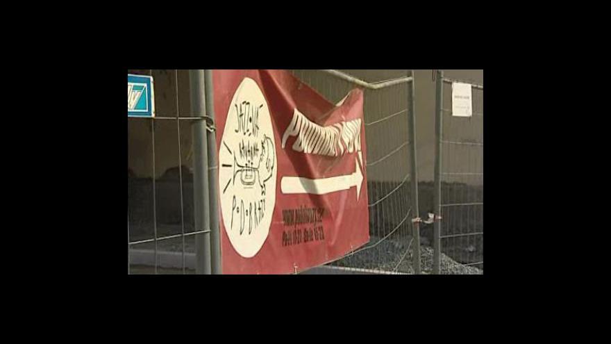 Video Rozkopané město ničí obchodníky