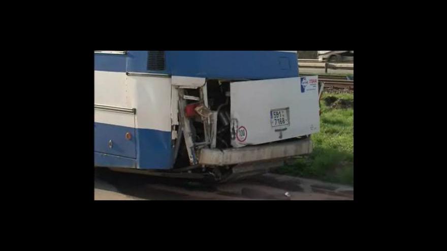Video Srážka vlaku s autobusem u Nesovic