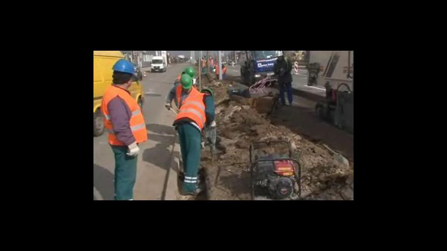 Video Začíná oprava silnice mezi Brnem a Rajhradem