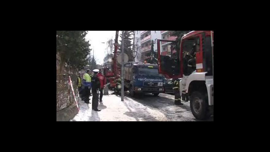 Video Propadlý popelářský vůz