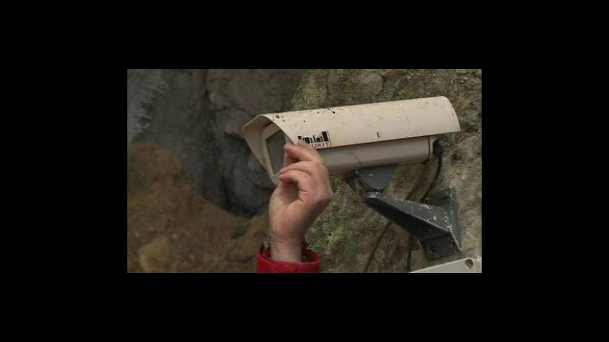 Video Josef Jarůšek z Moravského krasu ke kamerám na dně Macochy