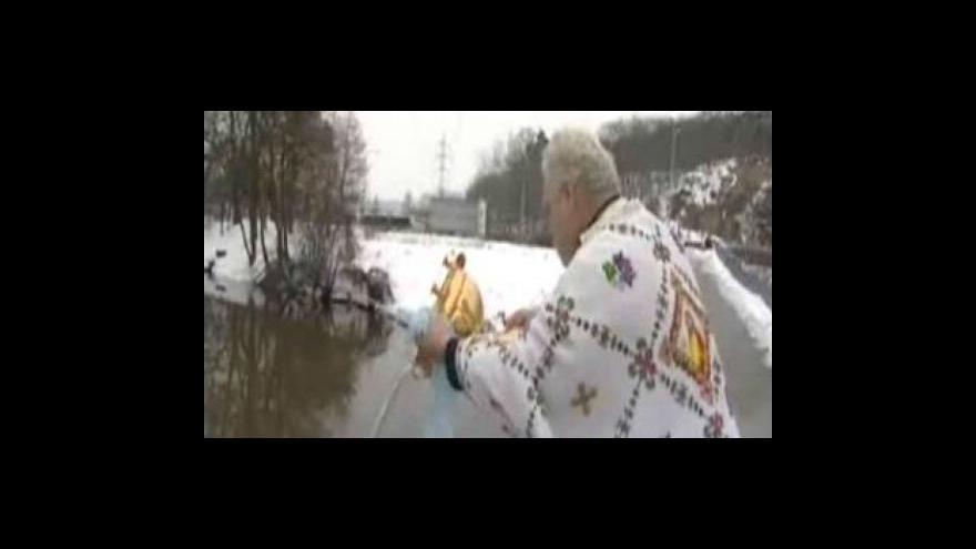 Video Pravoslavní posvětili i řeku Svratku
