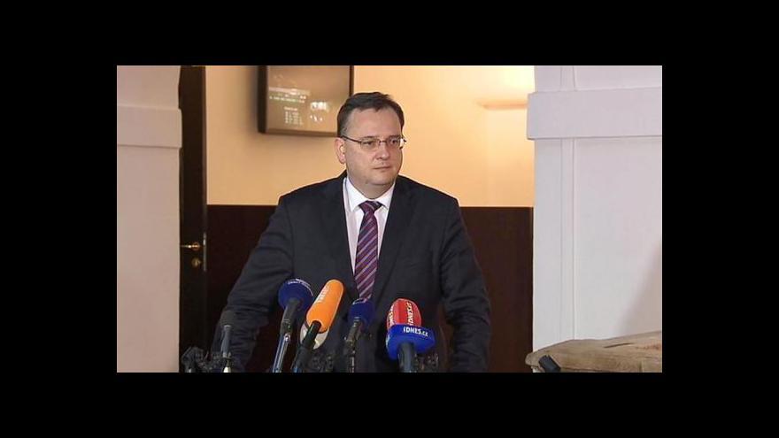Video Brífink premiéra Petra Nečase
