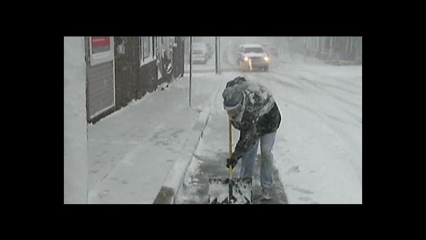 Video Spojené státy zasáhla sněhová bouře