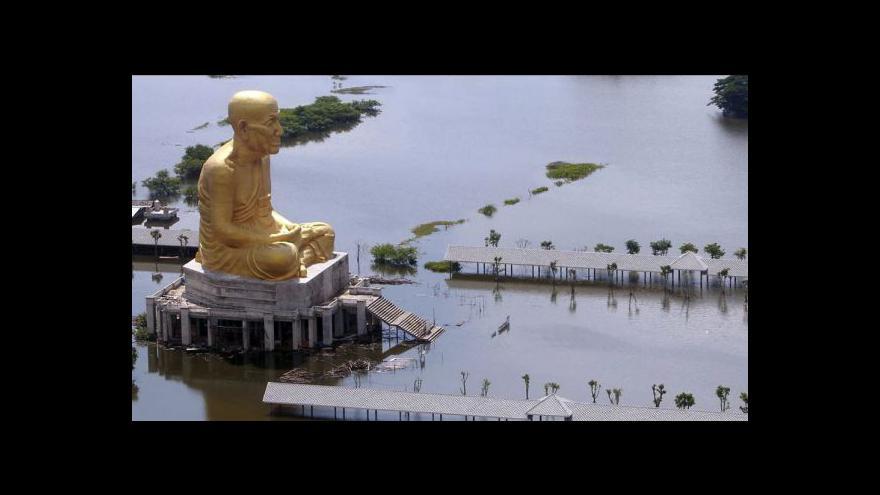 Video Události, komentáře k záplavám v Thajsku