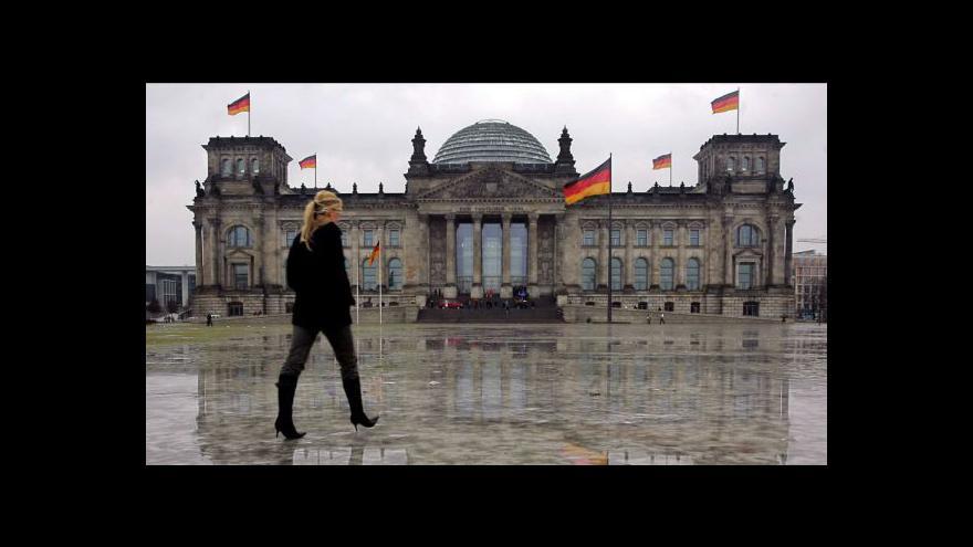 Video Německo odsouhlasilo euroval