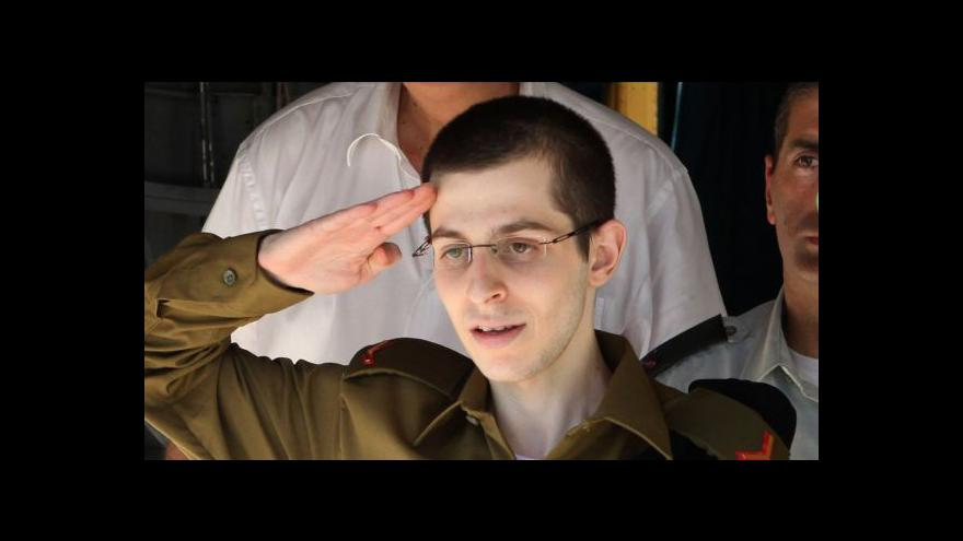 Video 40 Palestinců skončilo v zahraničí