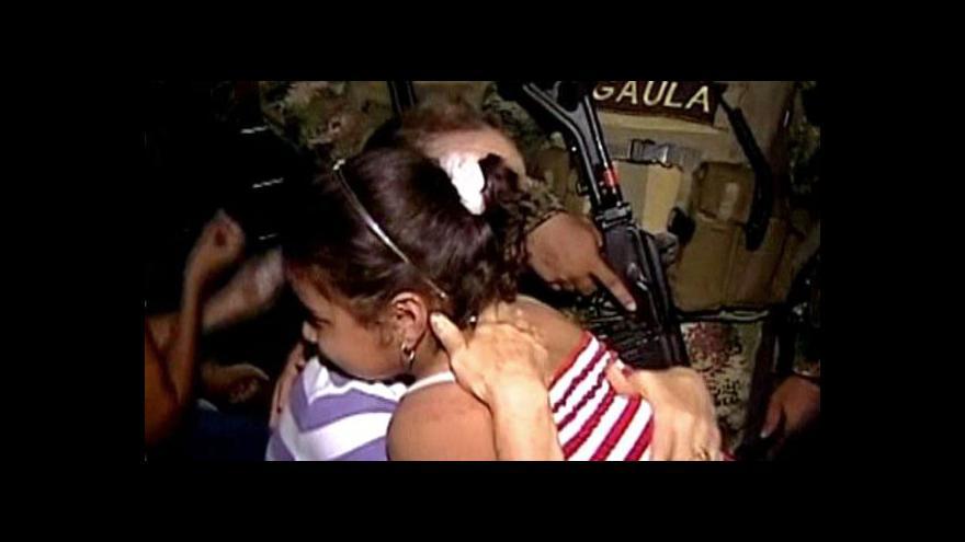 Video Únosci propustili kolumbijskou dívku