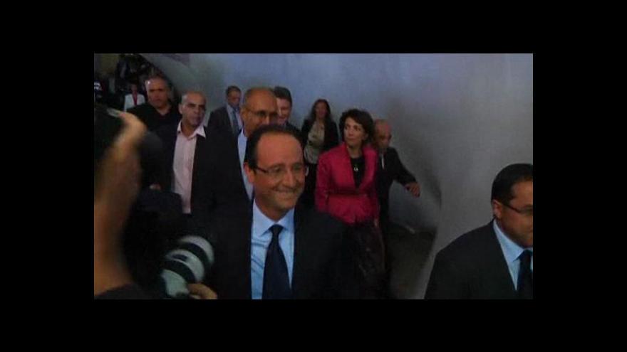 Video Socialisty povede v prezidentských volbách Hollande