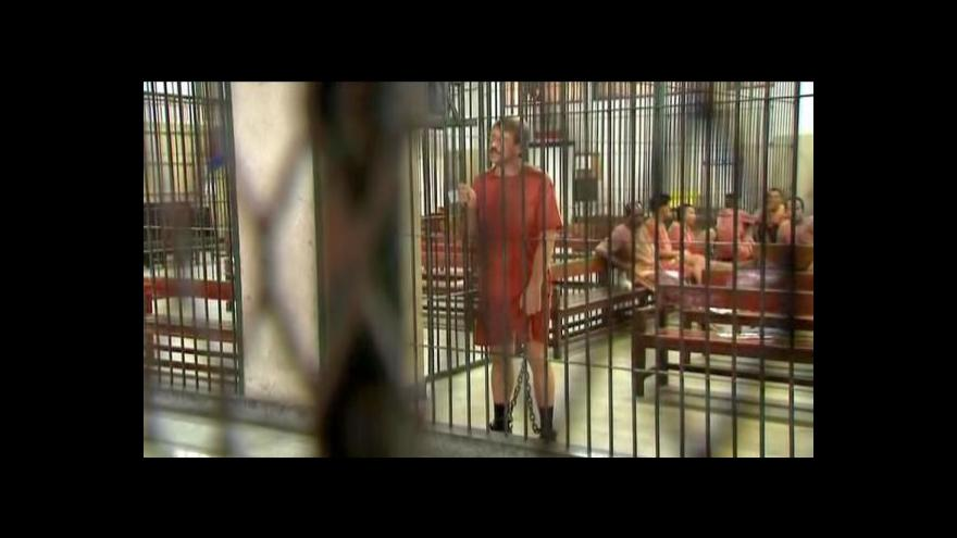 Video Viktor But jde před soud
