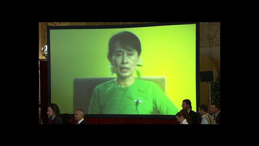 Video Pozdrav barmské disidentky Su Ťij